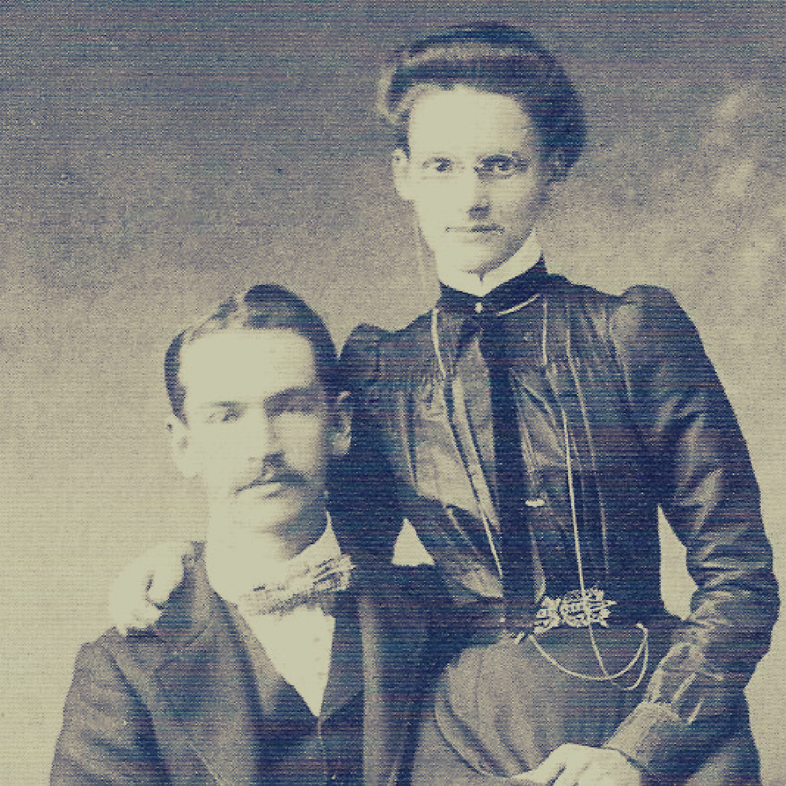 Glenn Curtiss married Lena Pearl Neff on March 7, 1898, a sawmill superintendent's daughter. She was his closest confidant and friend.