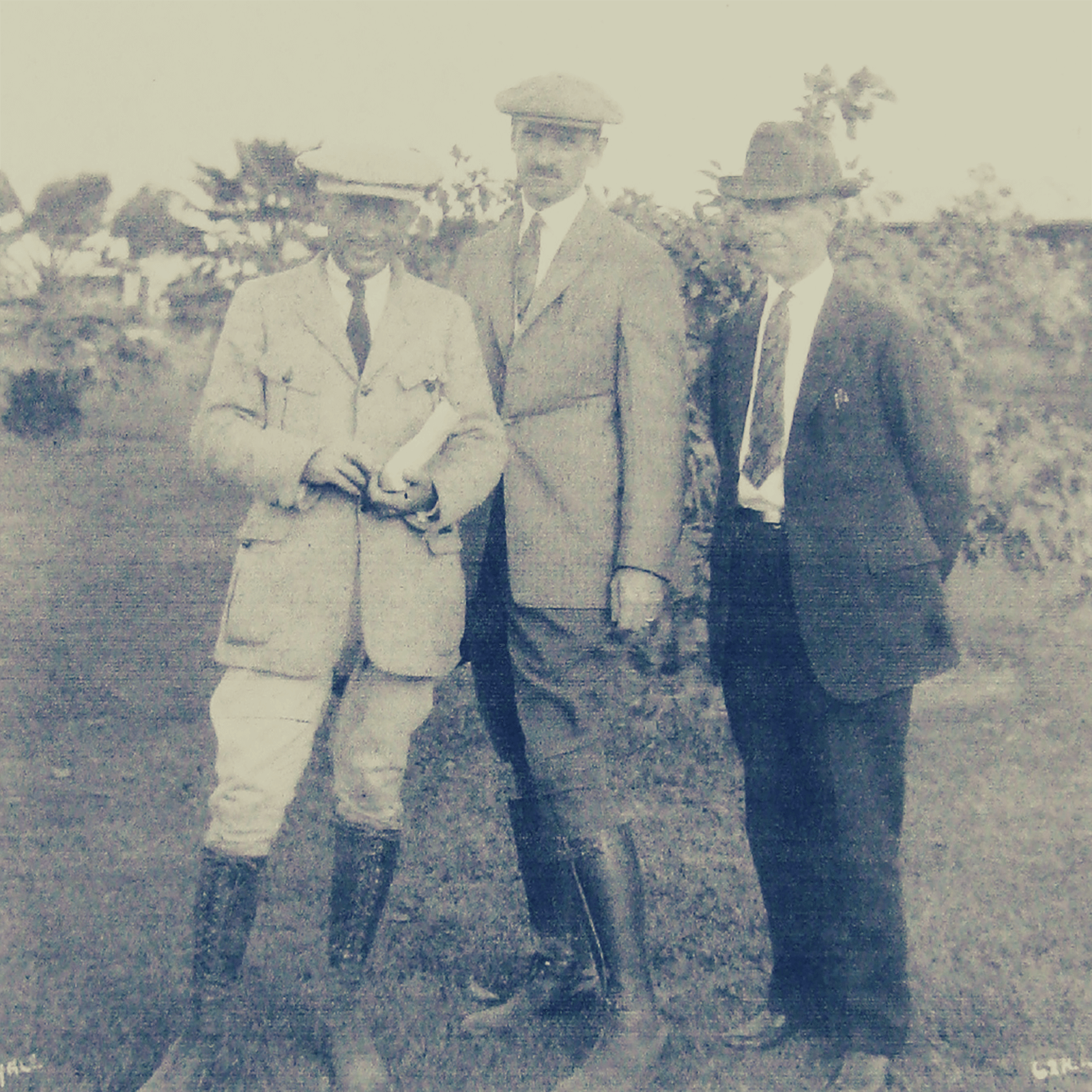 Glenn Curtiss (middle) in Hialeah with new Florida business partner and rancher James Bright, and long-time friend and associate, Arthur Stanton.
