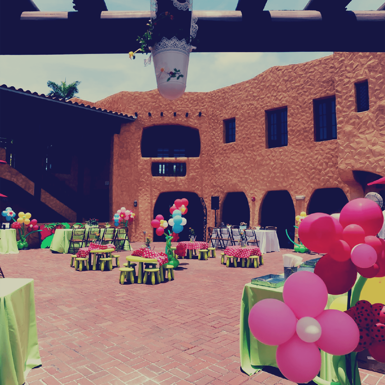 The Mansion Courtyard is perfect for kids, fun, ice cream and cake.